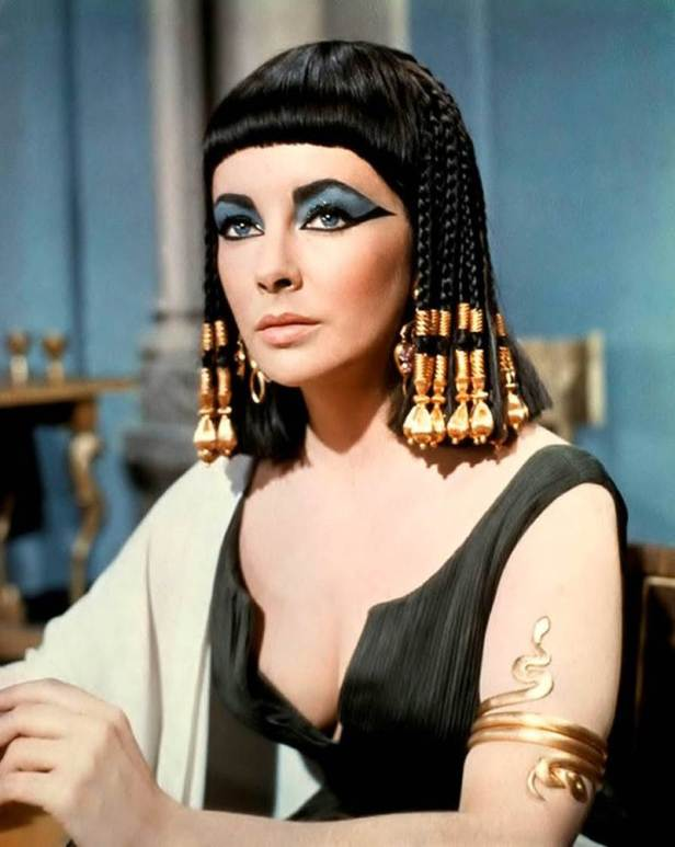 635903371813133210-240123525_cleopatra-by-liz-taylor-egypt-is-a-heaven-24028559-800-1006